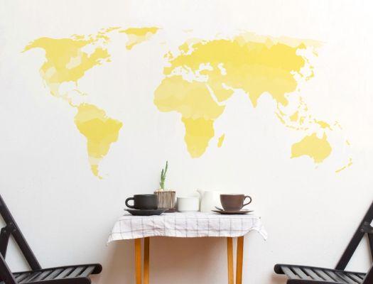 Wandtattoo Weltkarte in gelben Farbtönen