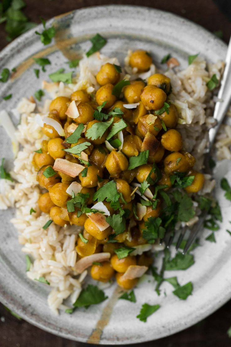 Turmeric Chickpeas with Garlic and Coconut