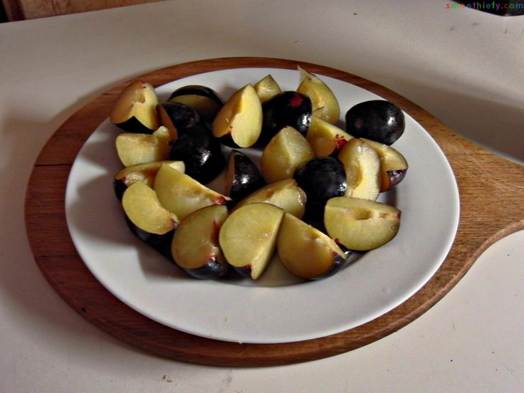 Prunes-plate-pitted