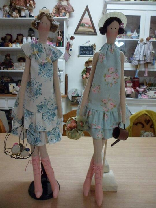 Charleston dolls
