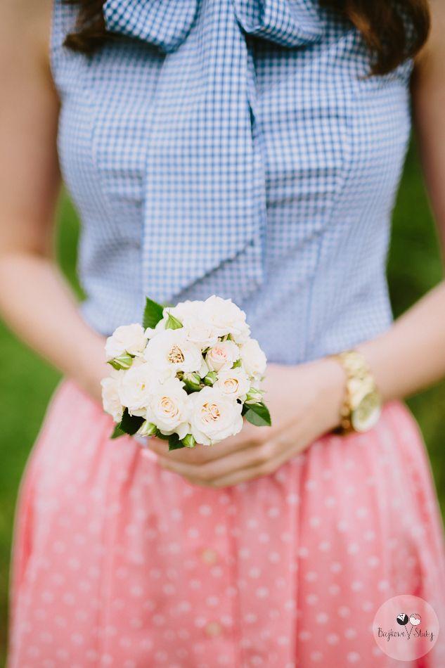 session brides / mały bukiecik na sesje narzeczeńską / fot. Bajkowe Śluby