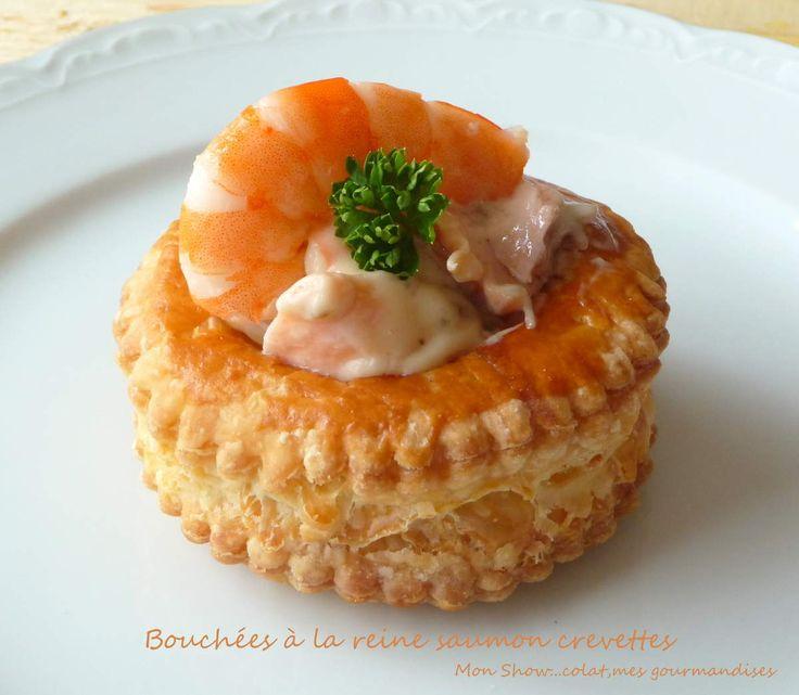 Bouchées à la reine saumon, crevettes et champignons.