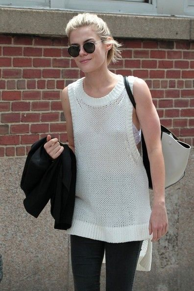 Rachael Taylor Photos - Byline: EROTEME.CO.UK.Rachael Taylor stroll in Soho New York. - Rachael Taylor in New York