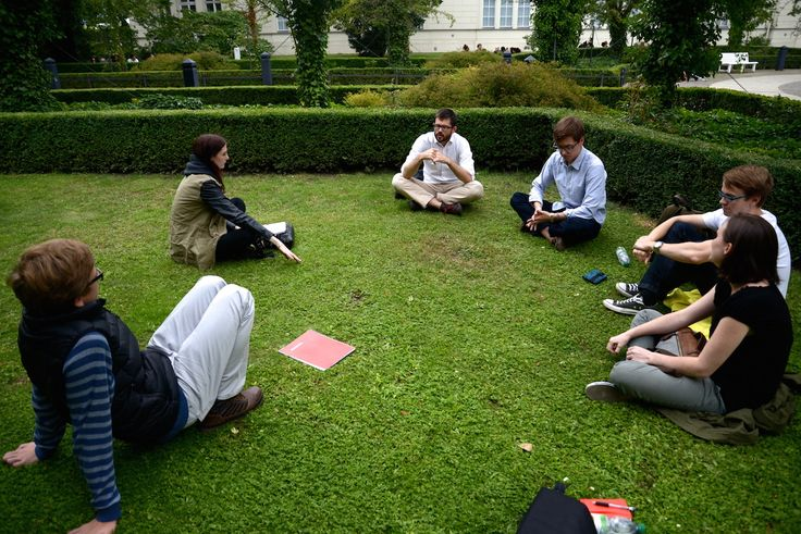 Language and Thinking session outdoors, led by instructor Bill Martin