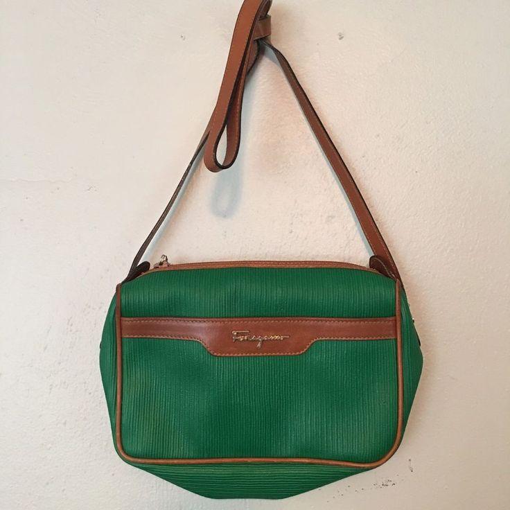 Auth Salvatore Ferragamo Cross Body Shoulder Bag Purse Green Leather VTG #SalvatoreFerragamo #MessengerCrossBody