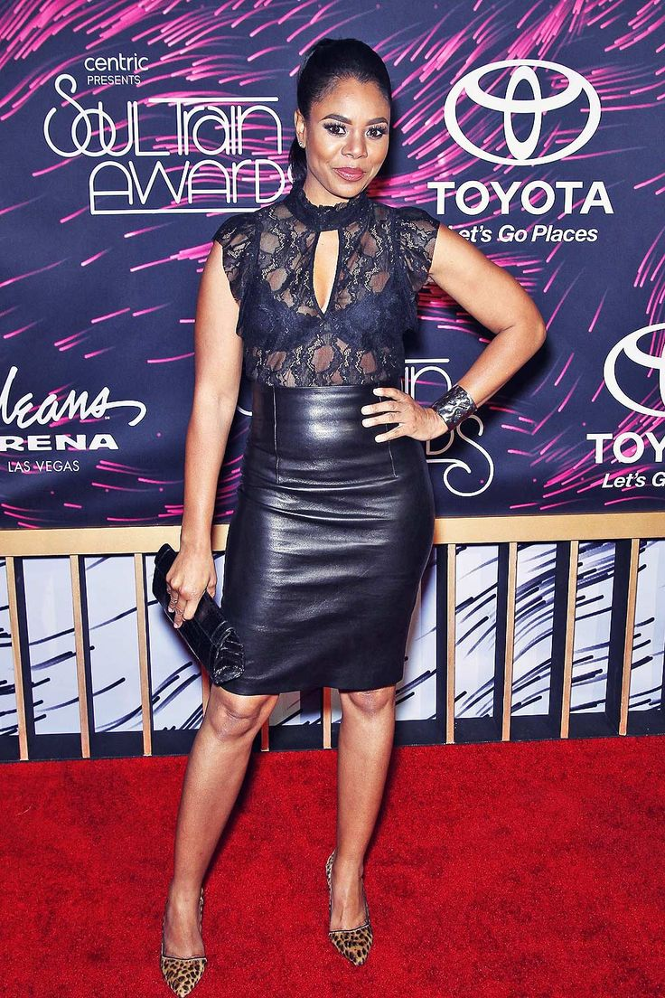 Actress Regina Hall flashed some skin in see-through top as she attended 2015 Soul Train Music Awards held at the Orleans Arena inside The….........Lederlady ❤