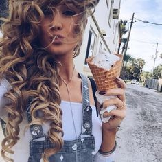 WOW!!! Those curls are so perfect that they don't even look real!!! *Incredible* Follow.... nikkibrawn