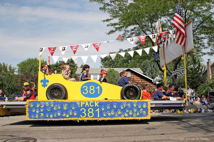 Cub Scout Float in July 4th Parade in Buffalo Grove Illinois  701930