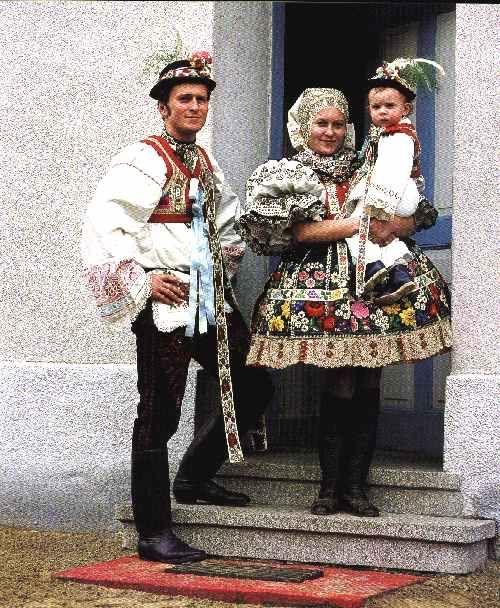 http://www.rotrekl.cz/images/Kroje/Vacenovice.jpg