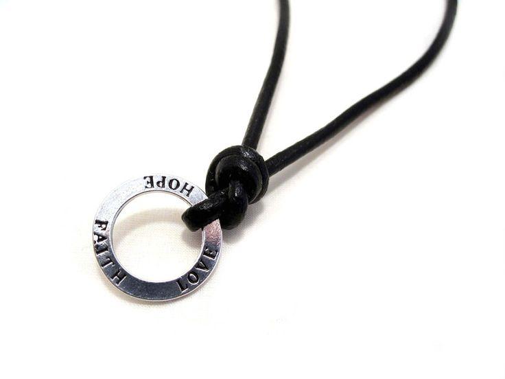 Männerkette - Ring mit Gravur am Lederband von HANDMADE auf DaWanda.com