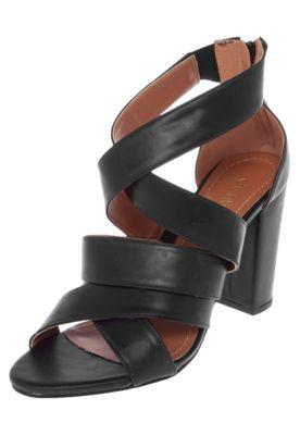 Sandália DAFITI SHOES Salto Grosso Tiras Preta, com cabedal fosco, tiras cruzadas, salto geométrico e fechamento por zíper.