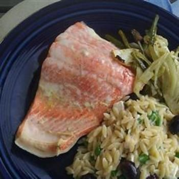 Dill Poached Salmon: Food Yummy Stuff Recipes, Seafood Recipes, Poached Salmon Repin, Dill Poached, Healthy Food, Salmon Food And Drink, Salmon Recipes, Poached Salmon Dairy