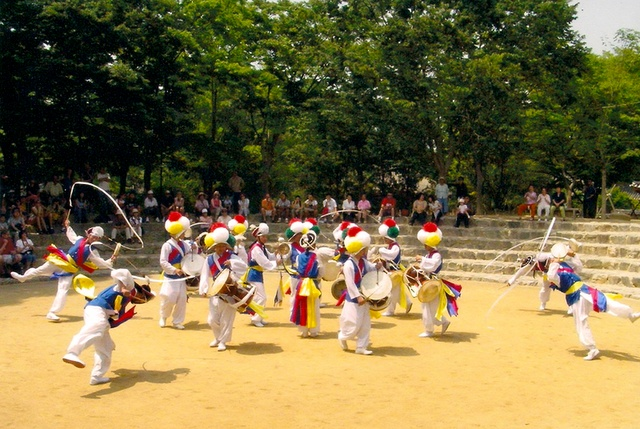 Korean Folk Village- drummers