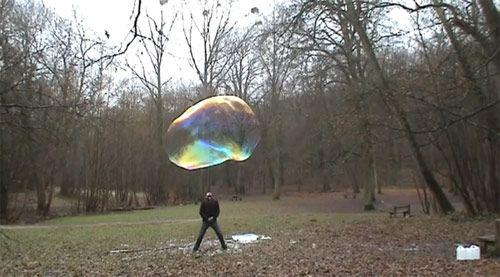 giant soap bubbles Sly Lebulleur
