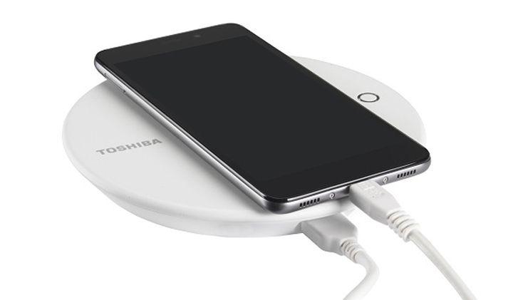 Toshiba Canvio for Smartphone: зарядная станция и резервное хранилище для смартфонов
