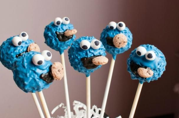 Cookie Monster Cake Pops  HAVE to learn how to make these!!!!!