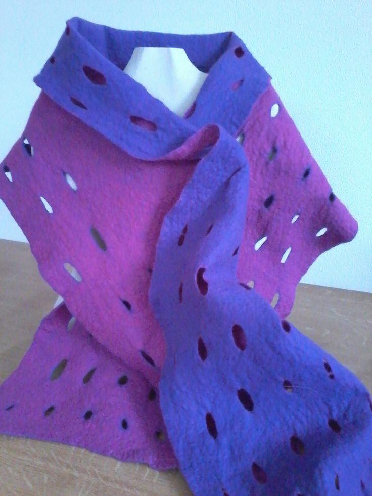Paarse sjaal in 2 kleuren