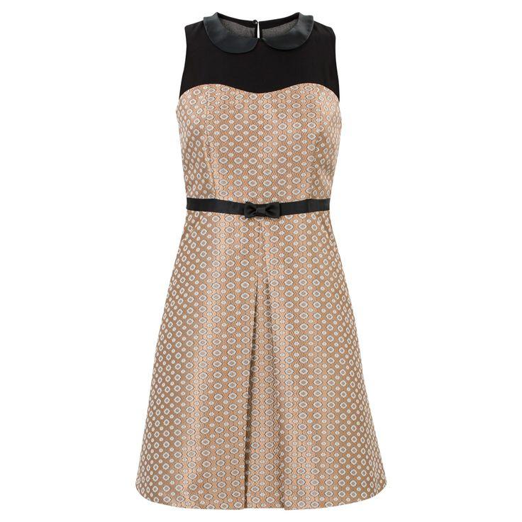 https://www.steps.nl/feestelijke-jurk-met-ronde-kraag-goud/product/90649/