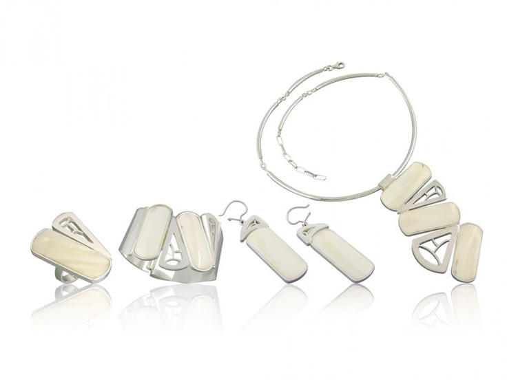 Silver art - handmade jewellery set with mother of pearl