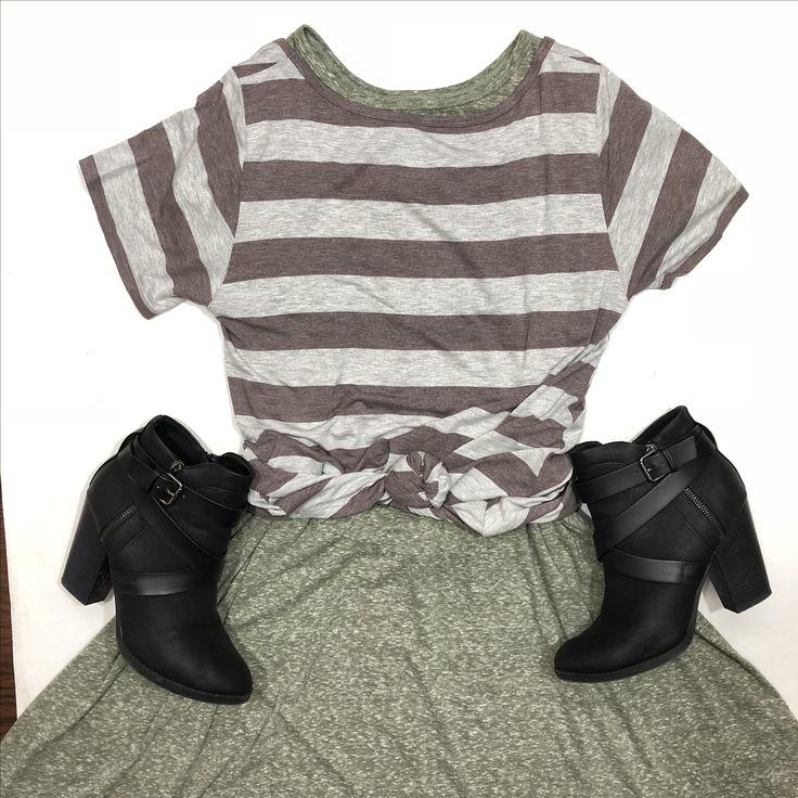 Wear a LulaRoe Classic Tee backwards over a Carly Dress for a new layered look! www.facebook.com/lularoewithdemi #lularoe #lularoewithdemi #lularoefashion #lularoeoutfit #lularoestyle #fashion #style #shopping #lularoeconsultant #lularoeflorida #shoplocal #fashion #style #shopping #LuLaRoeCarly #lularoeclassictee #fall #fallfashion #fall2017 #bootseason
