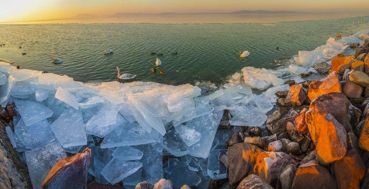 Elképesztő fotók: így néz ki a befagyott Balaton