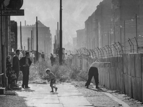 95 best die berliner mauer images on pinterest berlin on berlin wall id=88645