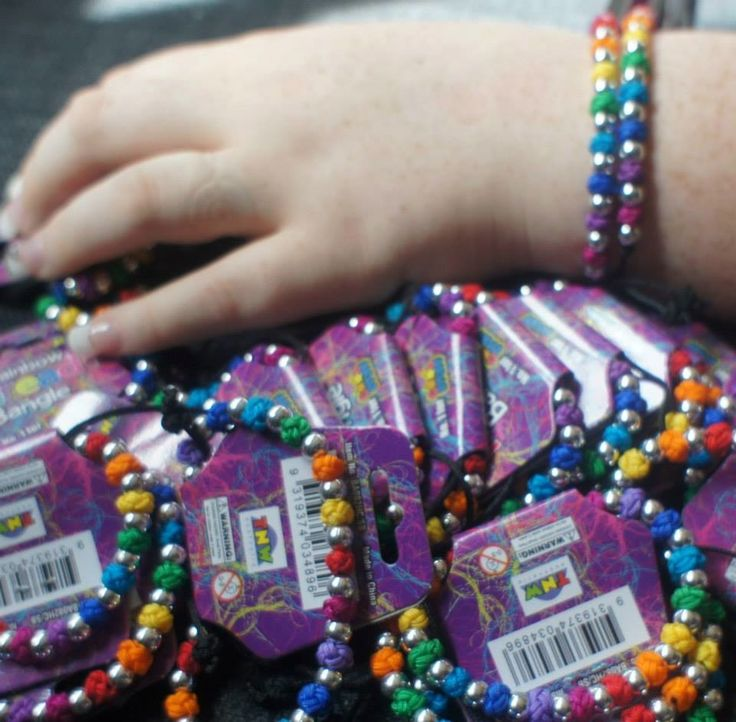 These beautiful adjusted threaded bracelets come with colourful beads and can be adjusted to fit various size wrist.