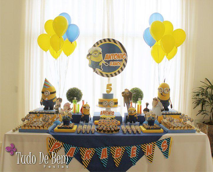 Festa dos Minions! A decoração do Meu Malvado Favorito para o Antonio ficou demais! Confira tudo em Festa de menino no site www.tudodebem.com.br