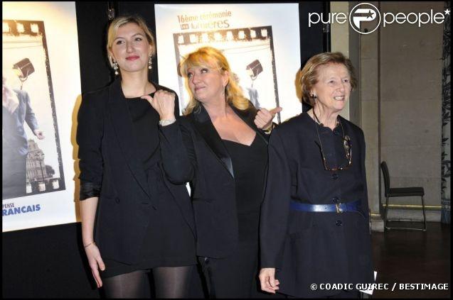 harlotte de Turckheim avec sa fille Clara Piaton et sa mère Françoise de Turckheim à Paris, janvier 2011.