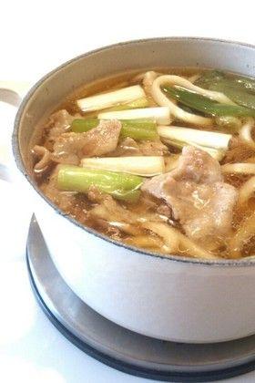 麺つゆで簡単☆豚バラ肉で肉南蛮うどん