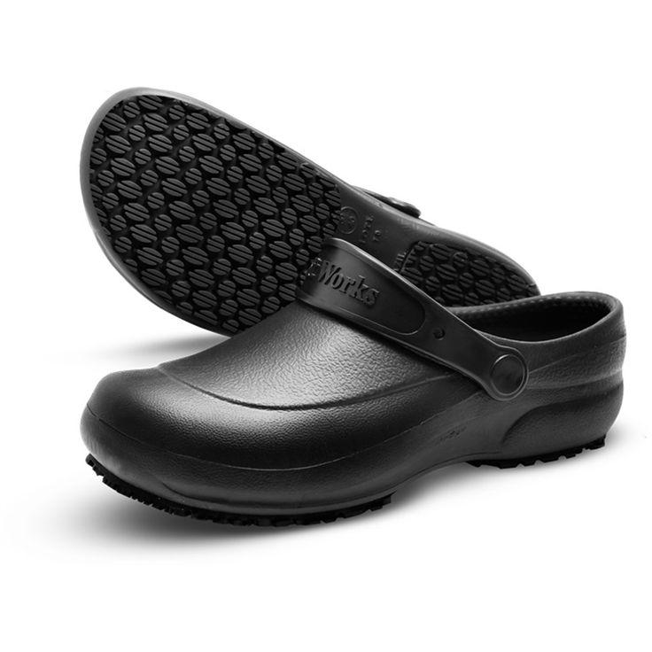 Zueco Soft Works Antideslizante : Zuecoantideslizante con suela de goma sintética especial   goma natural, resistente al resbalamiento en piso cerámico con solución SLC (detergente) en piso de acero con solución de glicerol (SRC) , resistente al aceite combustible (fo) Y calzado con absorción de energía en el área del talón.Para mayor comodidad, usar con calcetines de algodón que absorben el sudor de los pies, los calcetines sinteticos no proporcionan este beneficio.Tiene una postura…