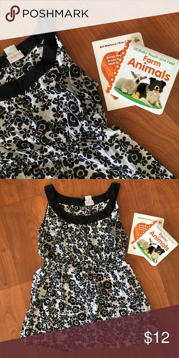 🆕 listing! Maternity top Lovely black and white floral sleeveless maternity top. Good used condition. Comfortable and perfect for the warm summer months. Could be dressed up with a jacket for a night out! Oh Baby by Motherhood Tops Tank Tops