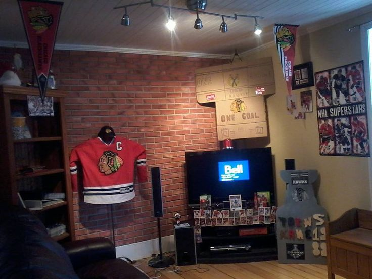 Man Cave Hockey Room : Removable hockey jersey wall mount hanger and change