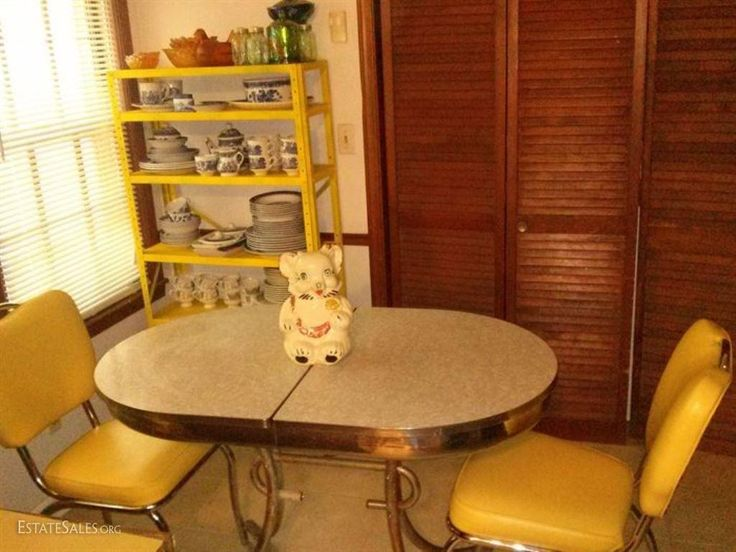 Online bidding available! SS Mid Century Chrome-Mica Breakfast Coffee Diner Style Table with 2 Leather Chairs