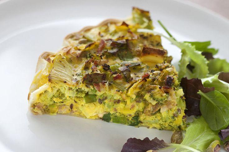 Gezonde quiche met kurkuma, broccoli, pistachenoten en verse knoflook - zonder de spekjes=heerlijk