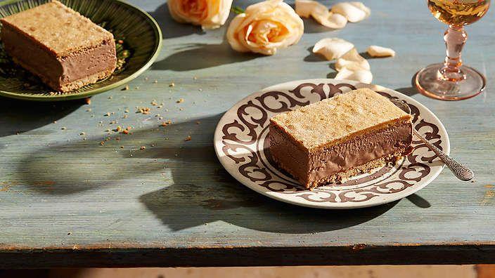 Mexican chocolate and cinnamon ice-cream sandwich (sándwich de helado con chocolate y canela) recipe : SBS Food