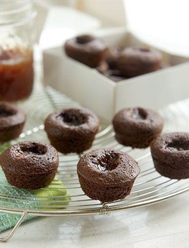 #BiggestLoser #Recipe Strawberry-Filled Brownie Bites