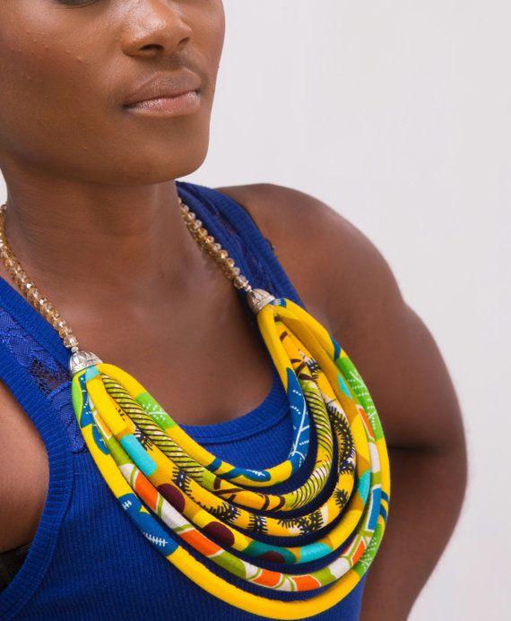 SU VENDITA collana africana a strati di AfrogenicCollections