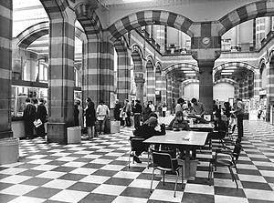 Postkantoor, Nieuwezijds Voorburgwal. 1983