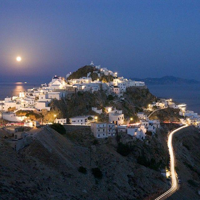 """#Greece #greekislands #serifos #Σέριφος #kyklades #aegean #moon #lights…"