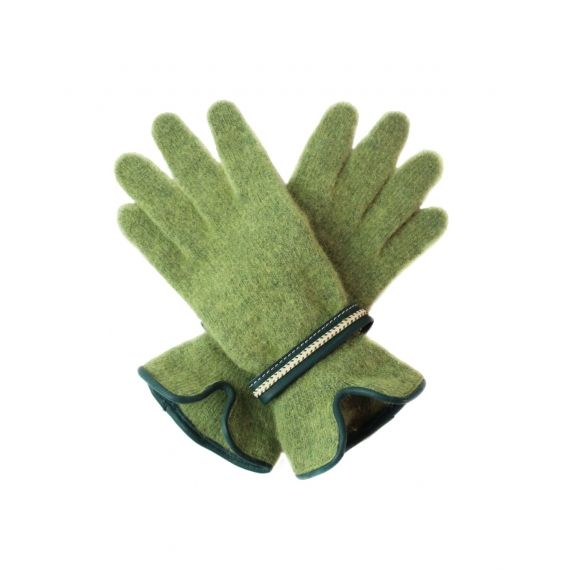 Santacana Angora Touch Screen Gloves in Green. £26. Worldwide Shipping Available.