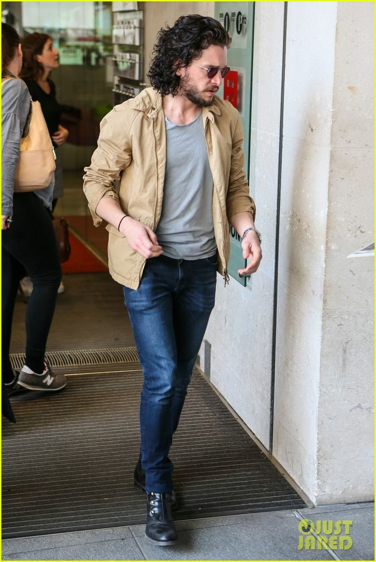 Kit Harington Gets A Phone Call From 'Game of Thrones' Co-Star During Radio Interview: Photo 3667007 | Kit Harington Pictures | Just Jared
