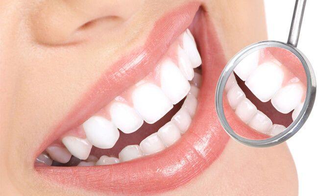 V dnešnej dobe čoraz viac ľudí trápia problémy so zubami. Je to v dôsledku nesprávnej ústnej hygieny. Ako správne dodržiavať ústnu hygienu zistite v našom článku. 👀