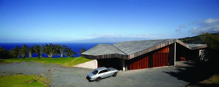 Clifftop House Maui, Hawaii: contemporary Pacific property, USA - design by dekleva gregorič arhitekti - Hawaii Clifftop House: US Pacific Ocean residence