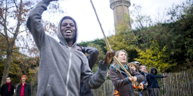 La communauté religieuse de Taizé accueille de jeunes migrants venus de Calais