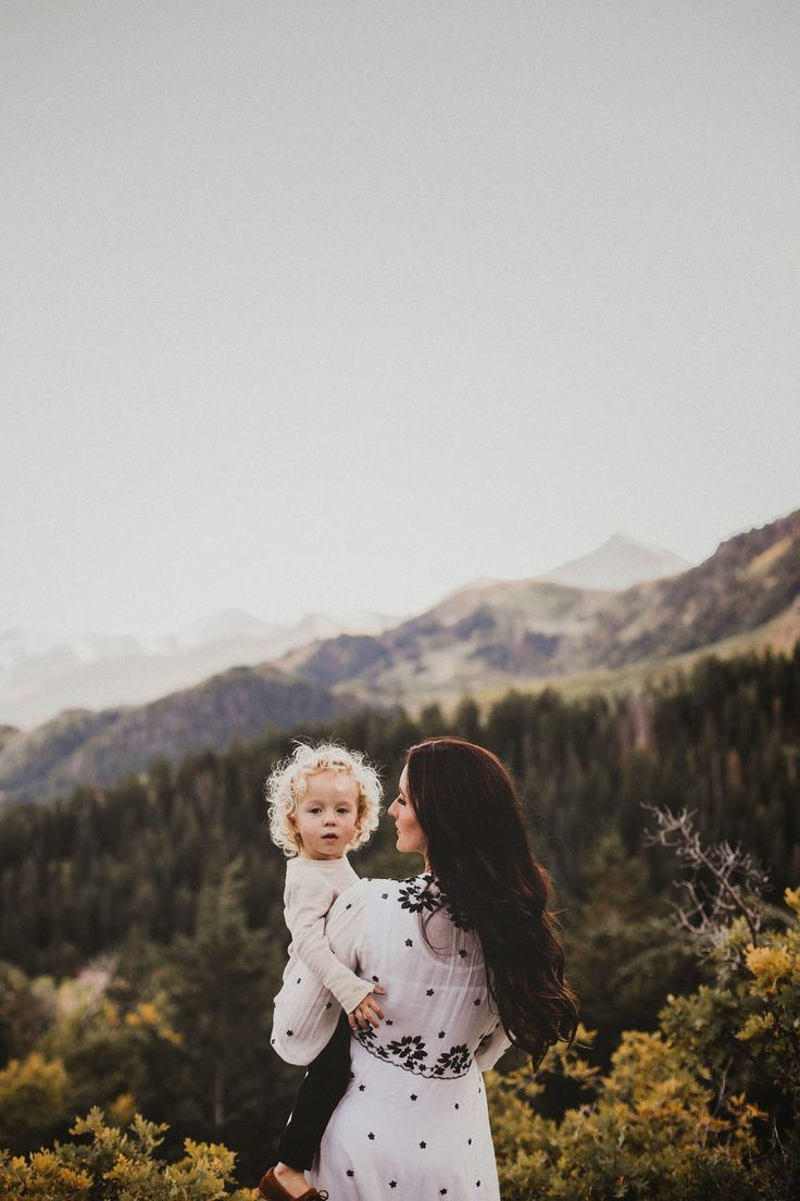 baby and mama in the mountains