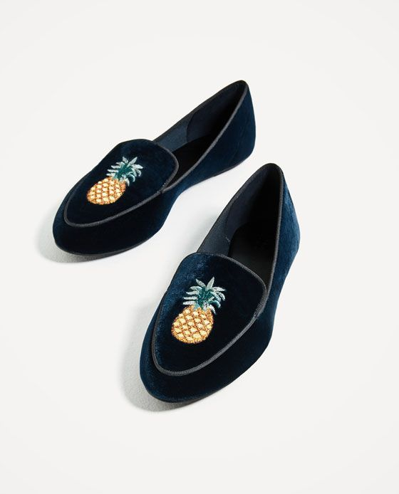 Image 5 of FLAT VELVET SHOES WITH EMBROIDERY DETAIL from Zara