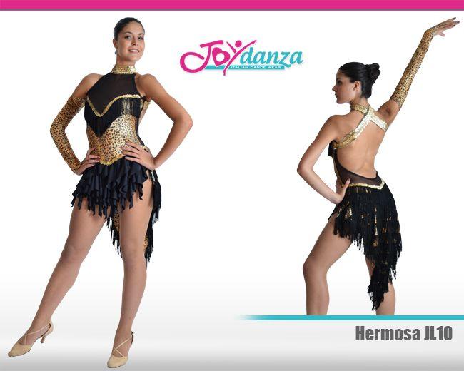 Costume caraibico leopardato ed impreziosito da varie lavorazioni. Il costume ha già una coda incorporata con frange ma ha anche un gonnellone a parte con frange di lycra.