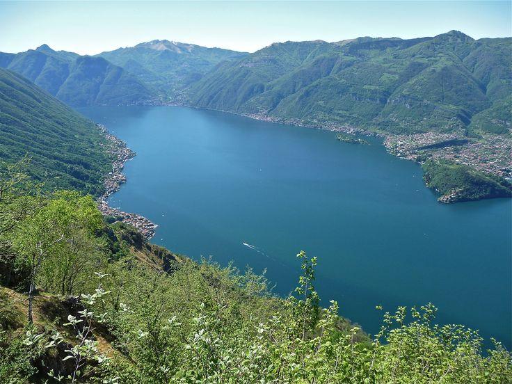 Lezzeno from Monte Nuvolone