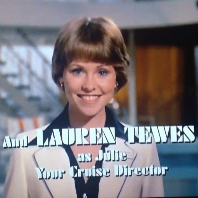 And my other favorite part of the Love Boat credits is how irritated Lauren Tewes looks while filming it. Notice her side glare as the anchor flies up! #laurentewes #loveboat